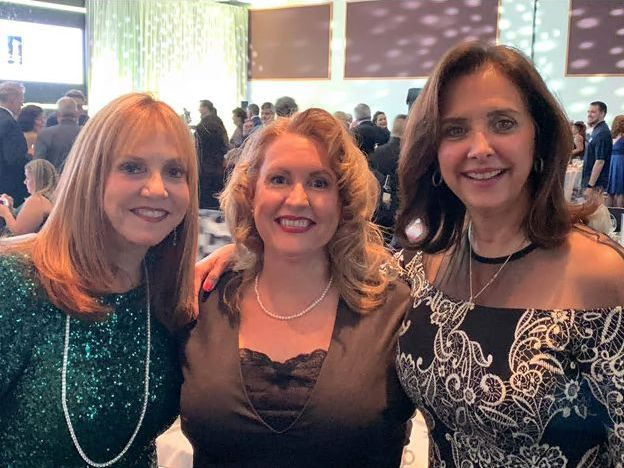 Lucinda Belden (center) with Cruise Line Industry Leaders Vicki Freed, Royal Caribbean (left) and Dondra Ritzenthaler, Celebrity Cruises (right)